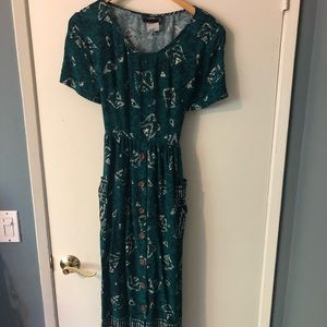 Vintage green midi dress with tie waste